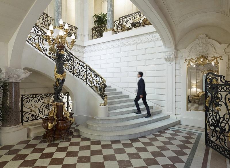 Escalera histórica del Shangri-La