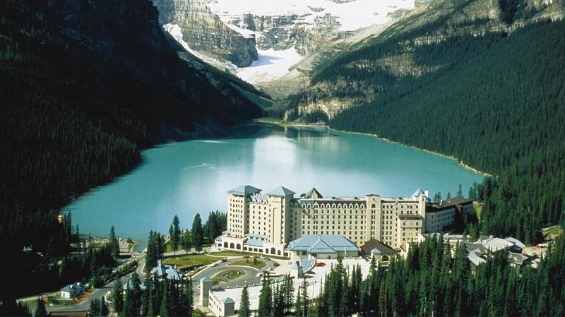 Fairmont Chateau Lake