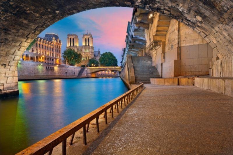 París bajo el sena